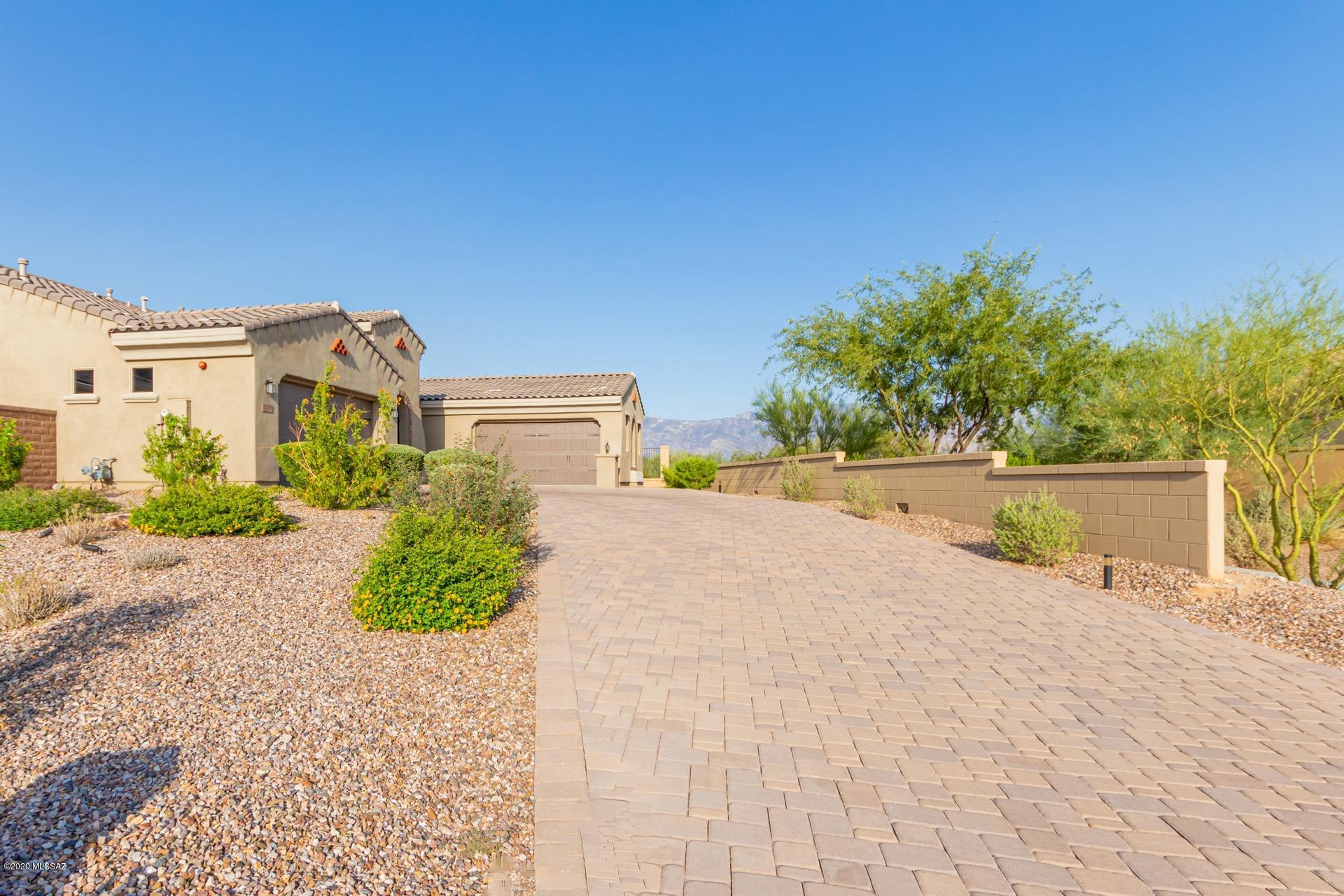 Photo of 13559 N Trailing Indigo Court, Oro Valley, AZ 85755