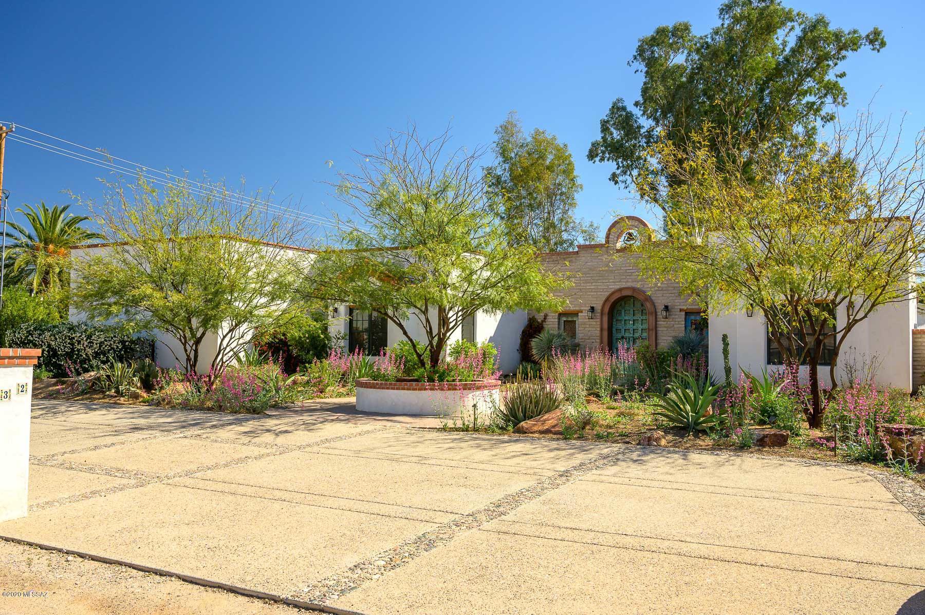 Photo of 132 N Camino Espanol, Tucson, AZ 85716