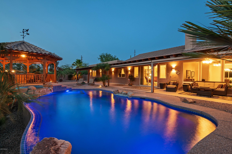 Photo of 10325 N La Cholla Boulevard, Oro Valley, AZ 85742
