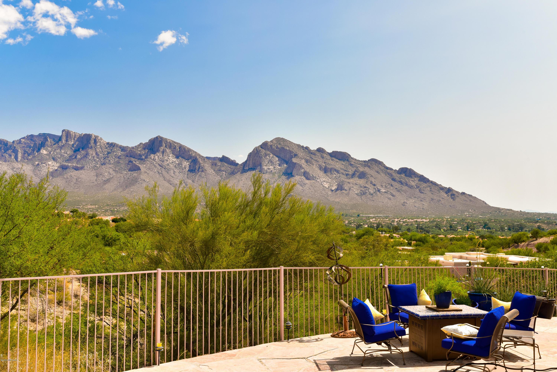 Photo of 11040 N Poinsettia Drive, Oro Valley, AZ 85737