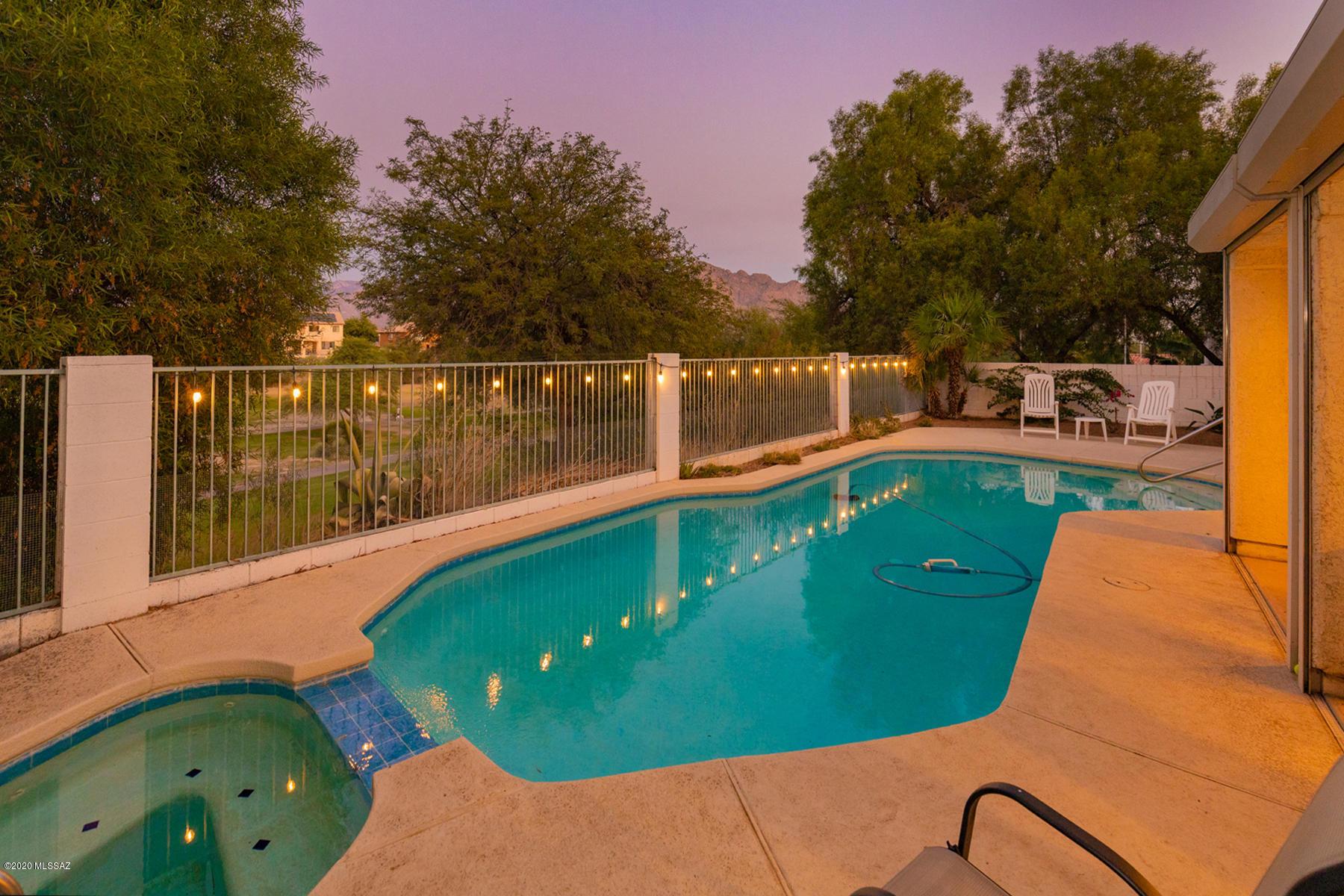 Photo of 1626 W Canada Hills Drive, Oro Valley, AZ 85737