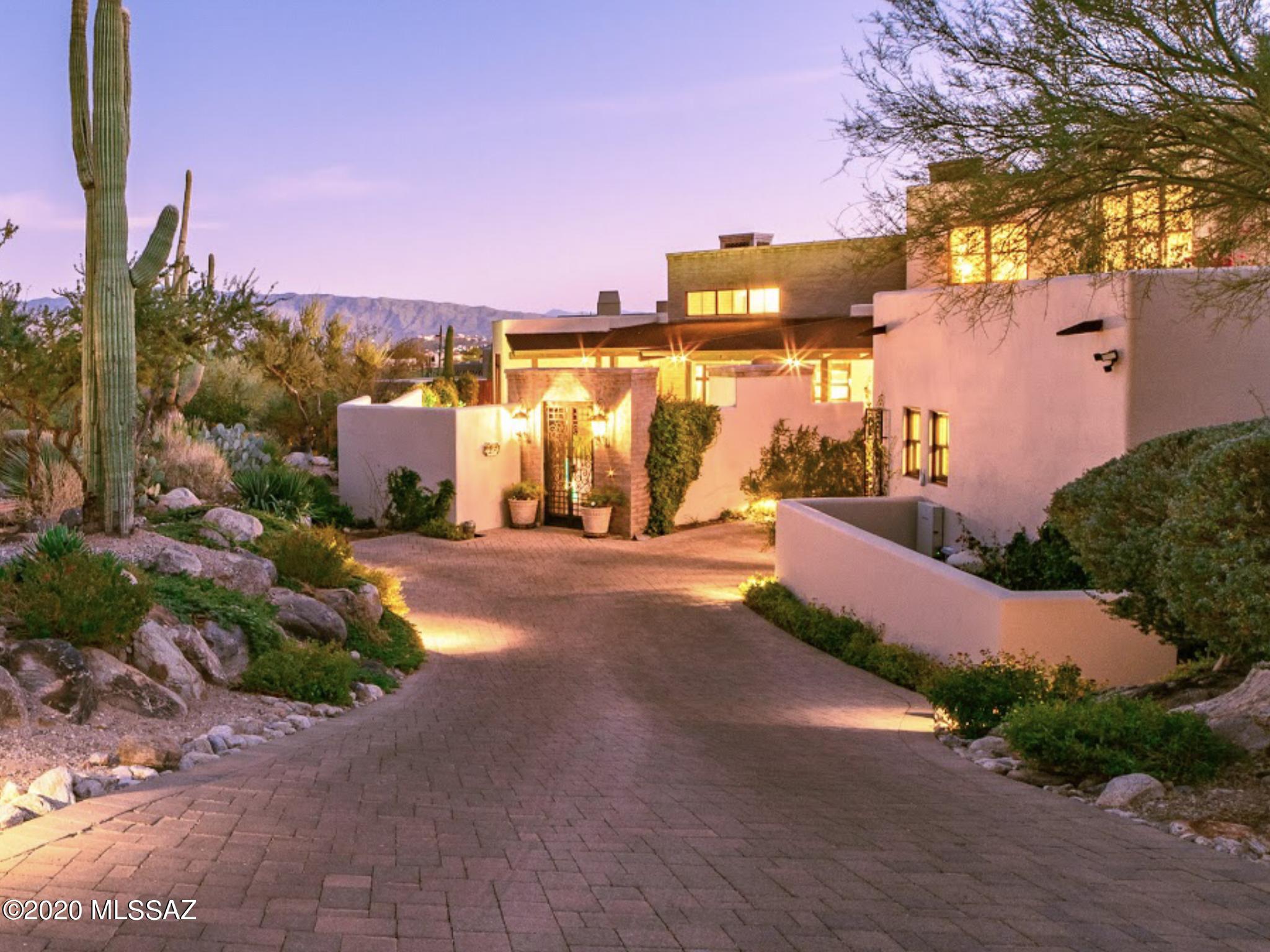 Photo of 6486 N Lazulite Place, Tucson, AZ 85750