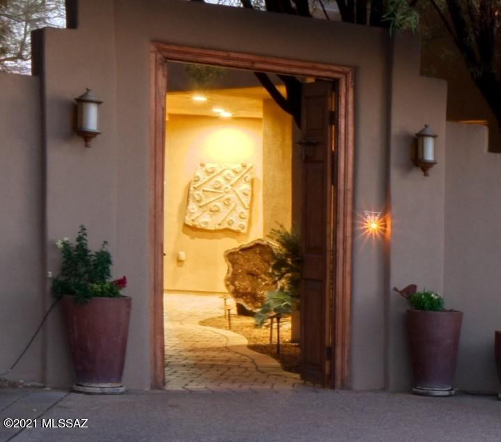 Photo of 8571 E Hillwood Lane, Tucson, AZ 85750