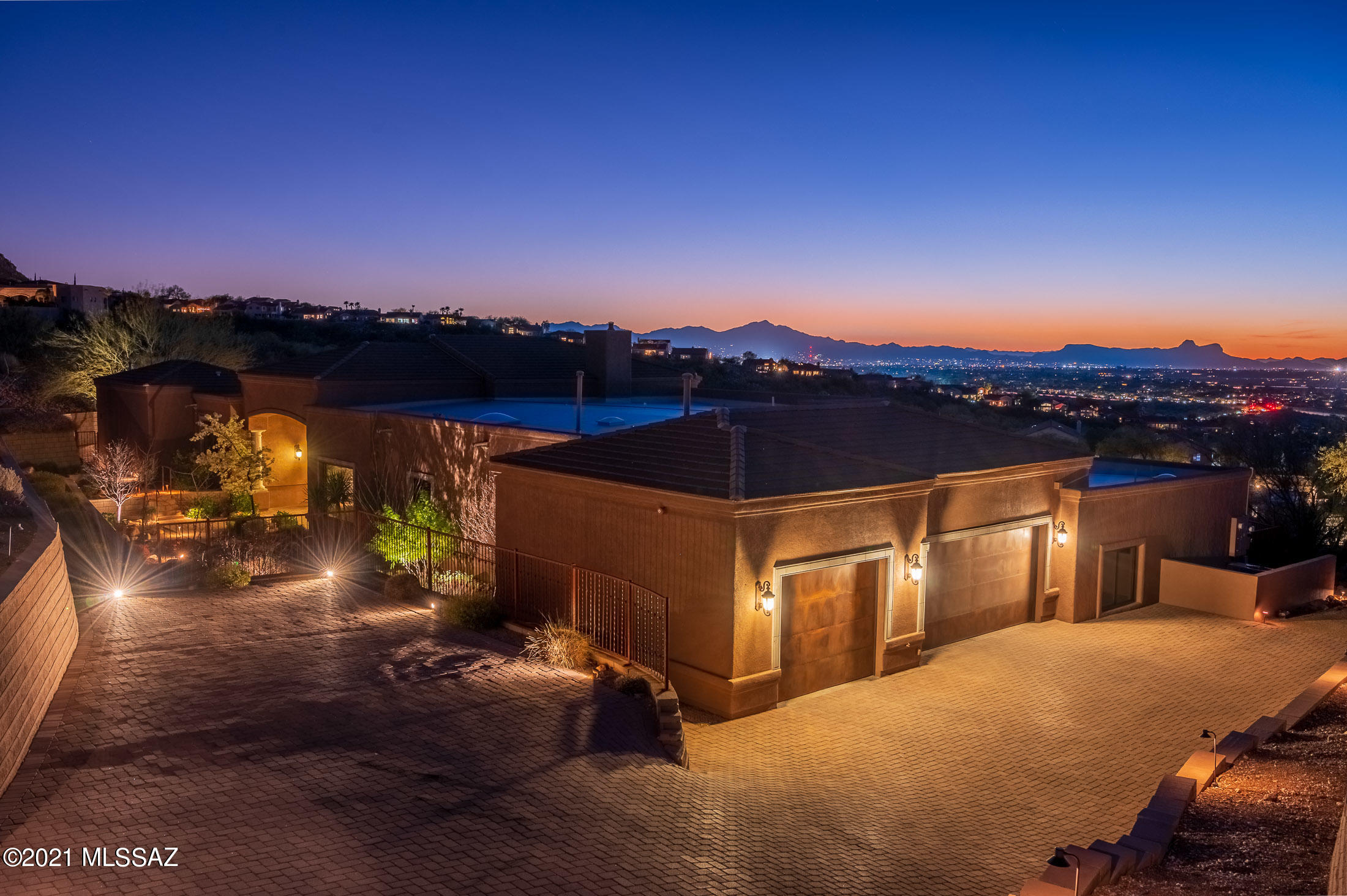 Photo of 10201 N Cliff Dweller Place, Tucson, AZ 85737