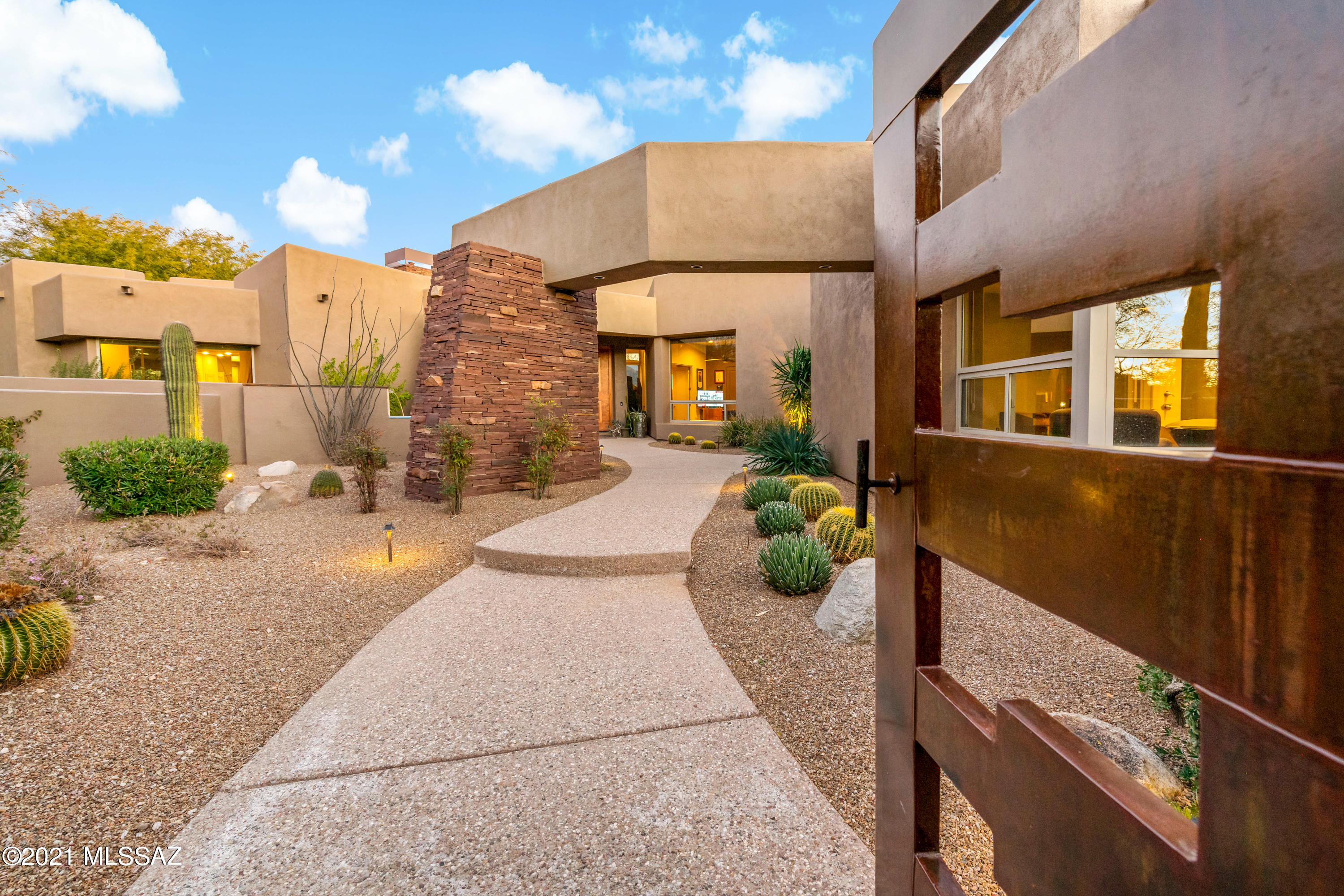 Photo of 13812 N Old Forest Trail, Oro Valley, AZ 85755