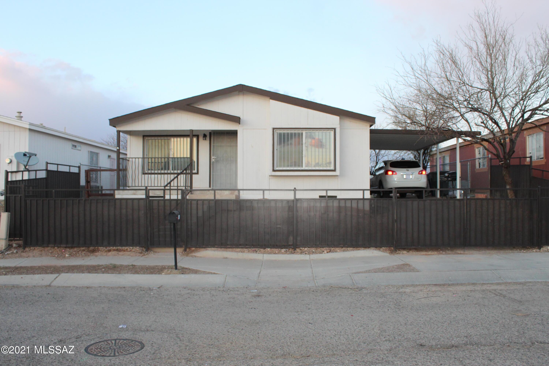 Photo of 1011 E Park Estates Circle, Tucson, AZ 85706