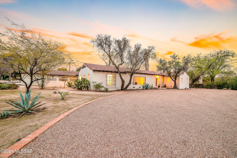 Photo of 401 N Sierra Vista Drive, Tucson, AZ 85719