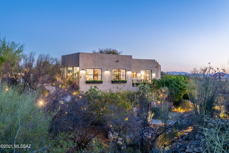 Photo of 4911 N Avenida De Castilla, Tucson, AZ 85718