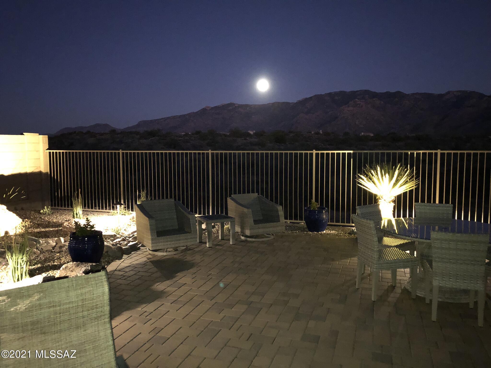Photo of 11656 N Silverwood Drive, Oro Valley, AZ 85737