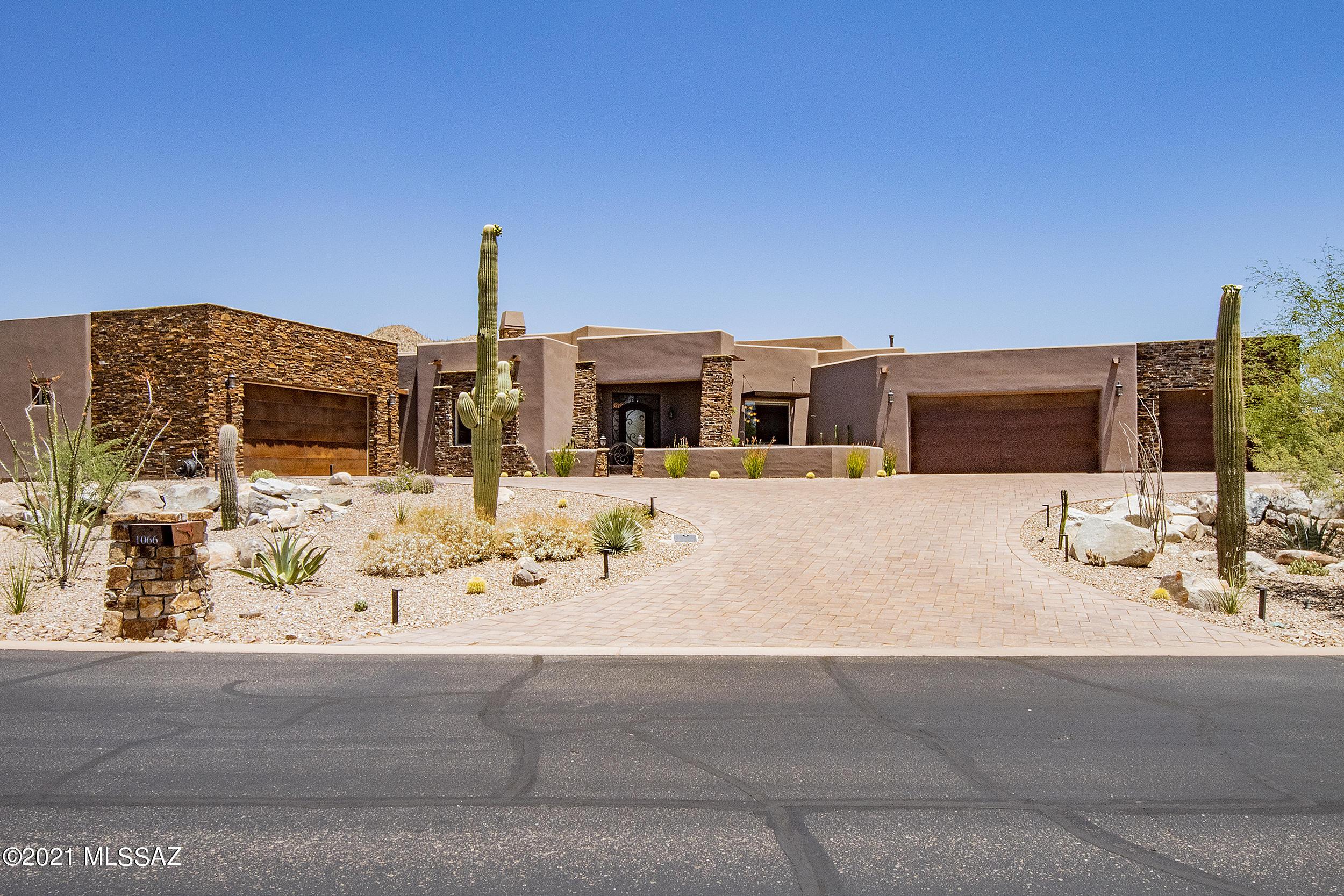 Photo of 1066 W Tortolita Mountain Circle, Oro Valley, AZ 85755