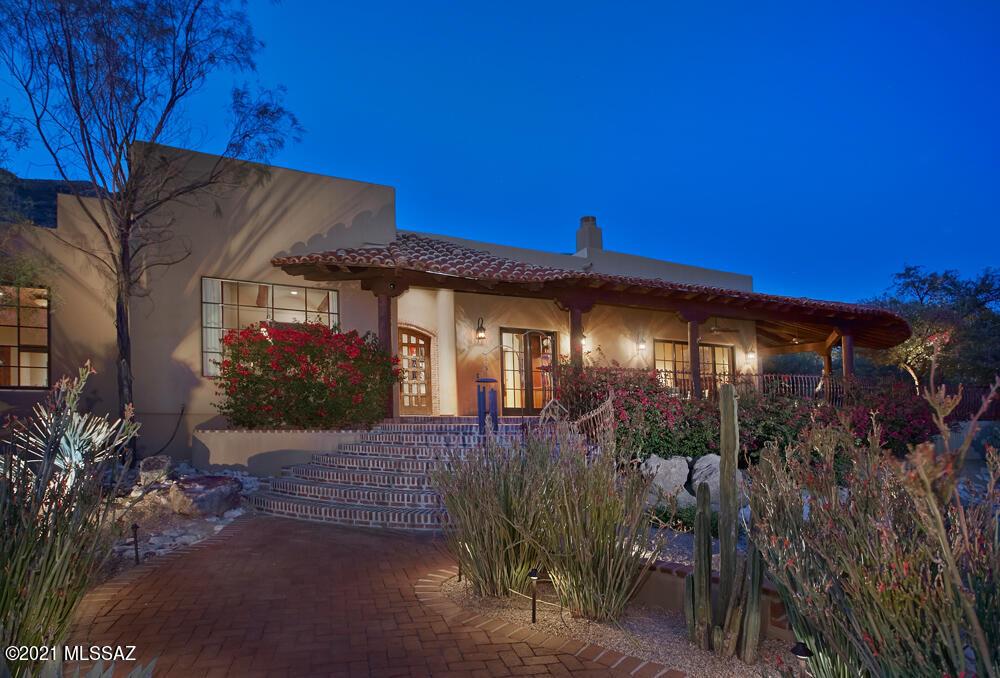 Photo of 4845 E Winged Foot Drive, Tucson, AZ 85718