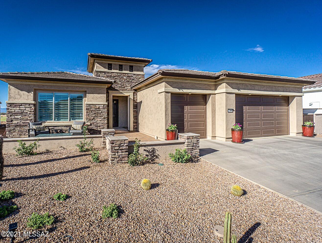 Photo of 2495 E Wrightson View Drive, Green Valley, AZ 85614