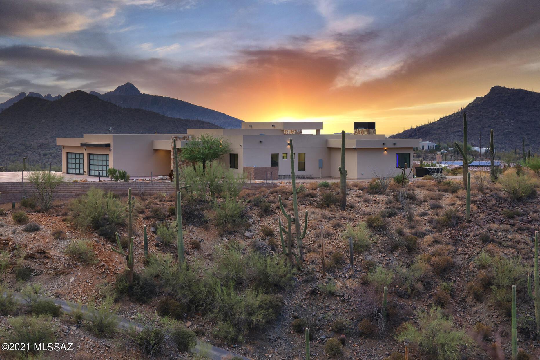 Photo of 7274 W El Camino Del Cerro, Tucson, AZ 85745