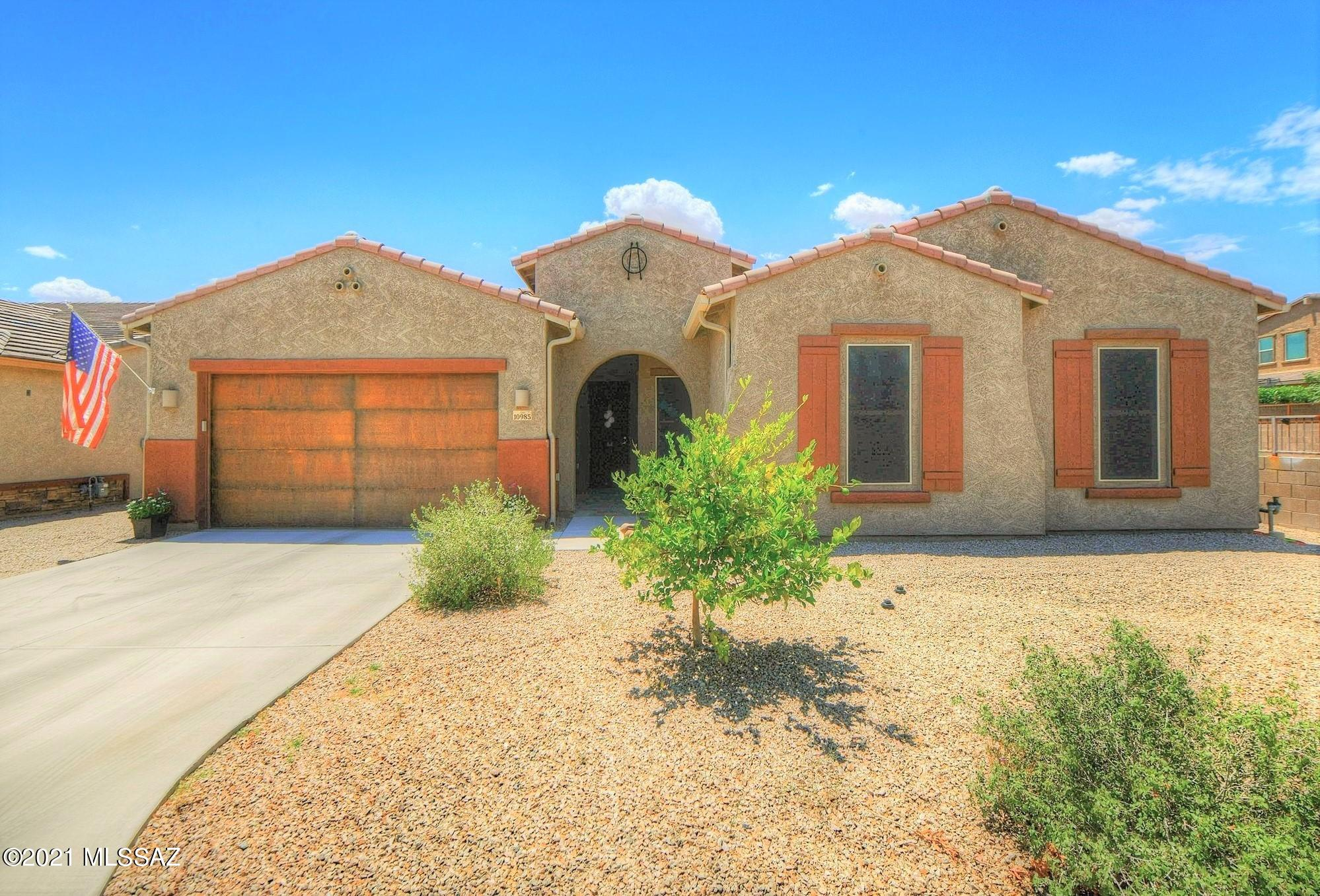 Photo of 10985 N Delphinus Street, Oro Valley, AZ 85742