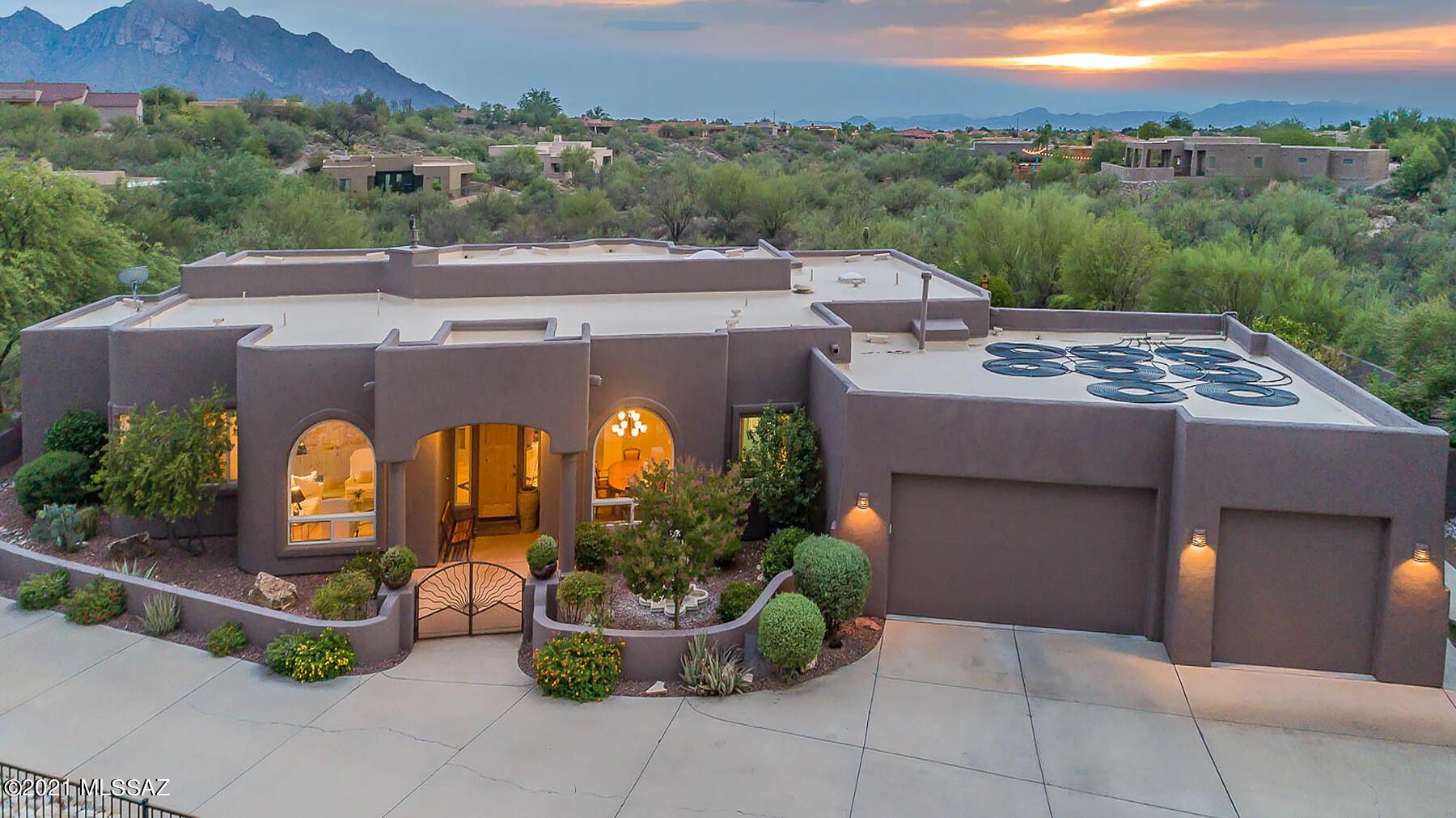 Photo of 782 W Silver Eagle Court, Oro Valley, AZ 85755