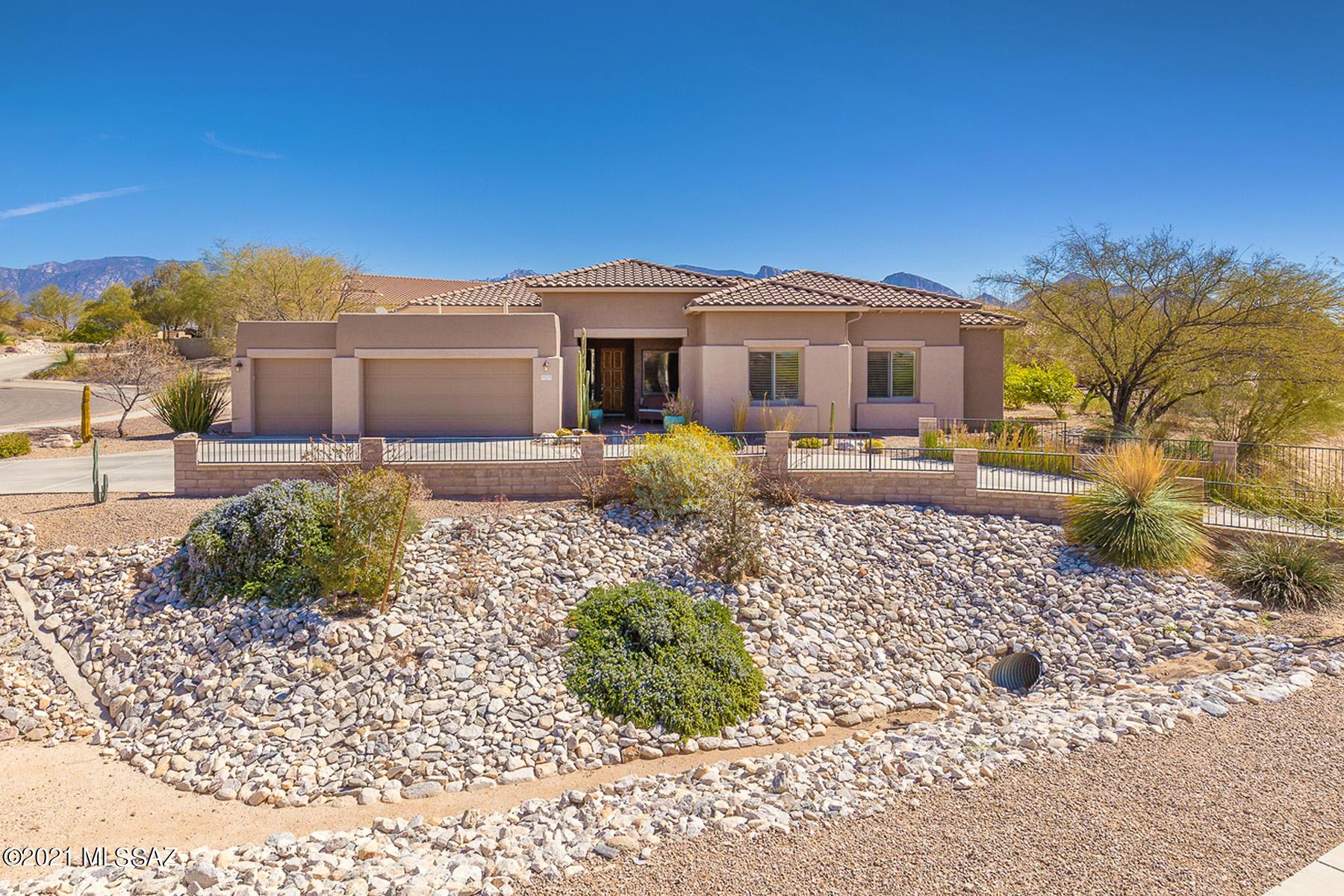 Photo of 12770 N Yellow Bird Road, Oro Valley, AZ 85755