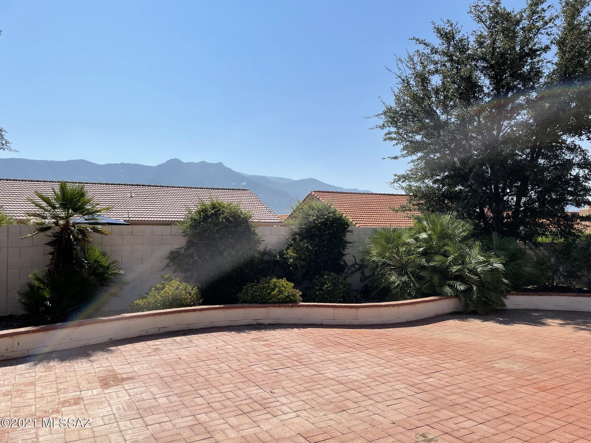 Photo of 38175 S Rolling Hills Drive, Saddlebrooke, AZ 85739