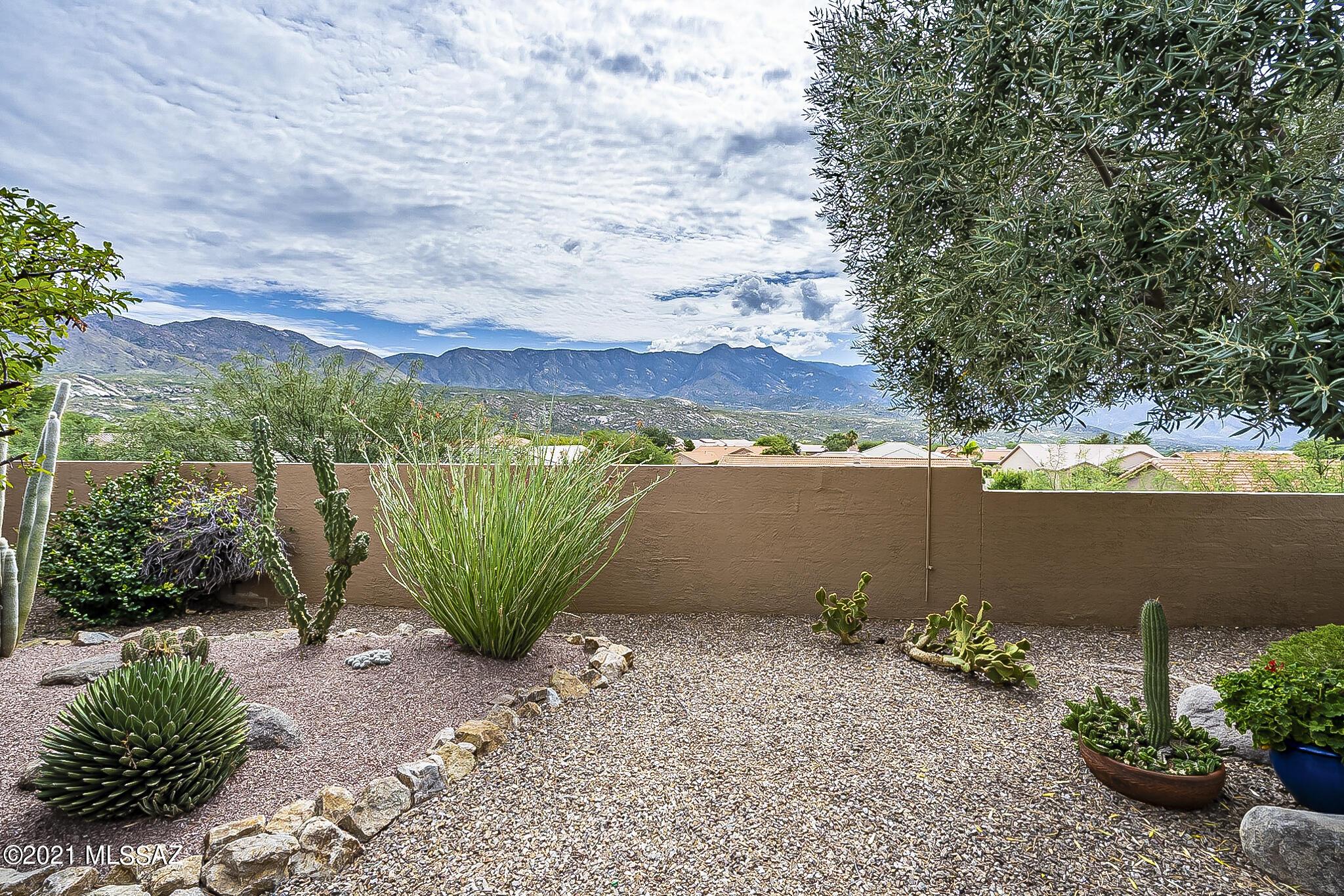 Photo of 65693 E Stoney Ridge Drive, Saddlebrooke, AZ 85739