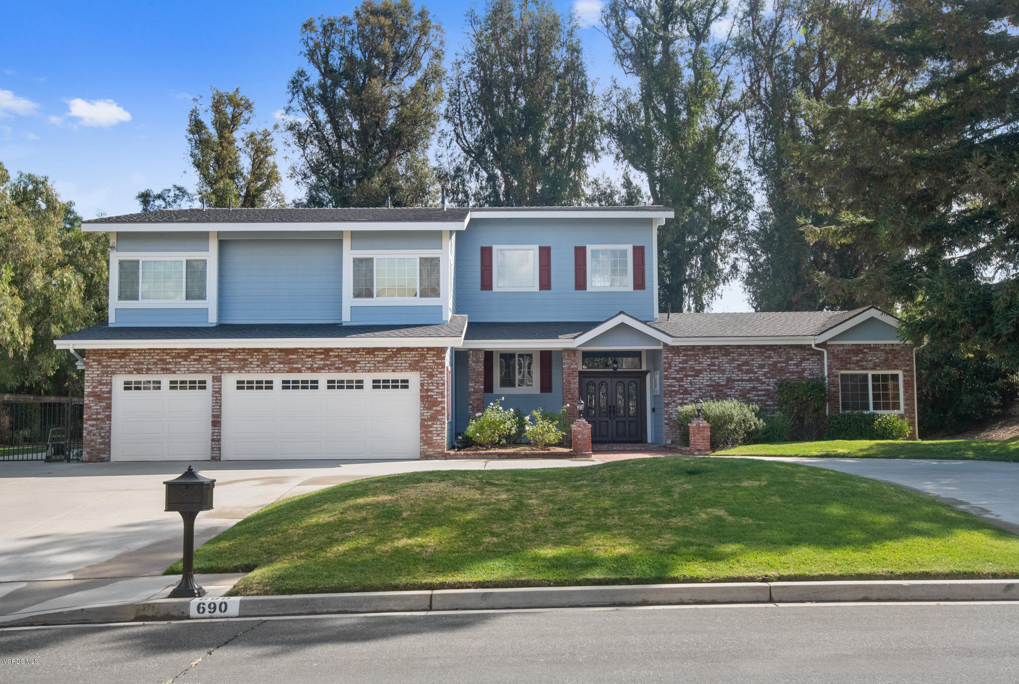 Photo of 690 Oldstone Place, Simi Valley, CA 93065