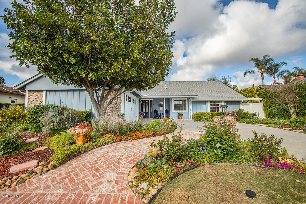 Photo of 166 Satinwood Avenue, Oak Park, CA 91377