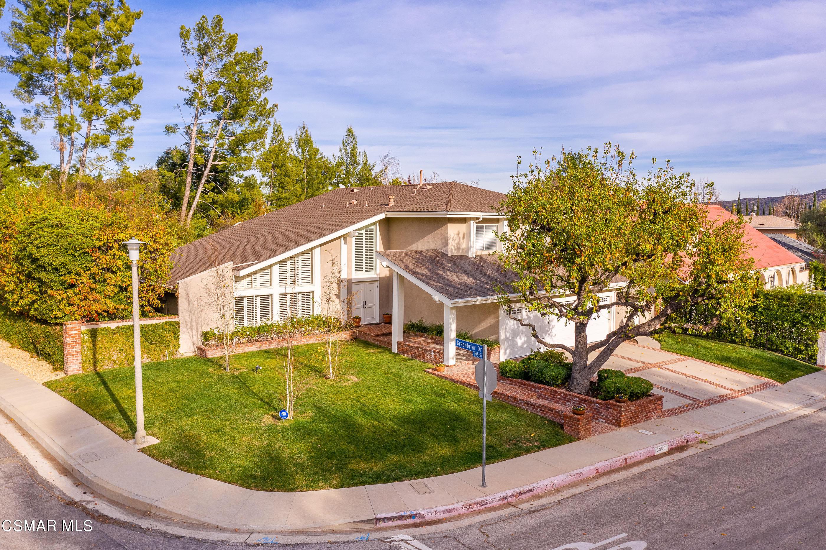 Photo of 3890 Corbin Avenue, Tarzana, CA 91356