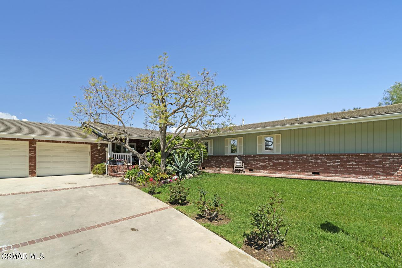 Photo of 10641 Ternez Drive, Moorpark, CA 93021