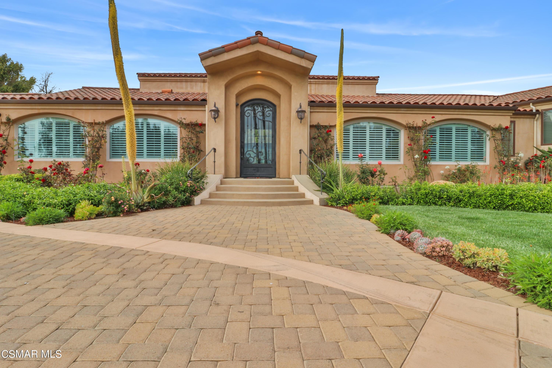 Photo of 325 Vista Del Mar Avenue, Camarillo, CA 93010