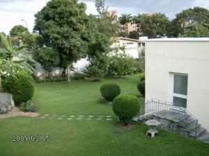 Casa En Venta En Caracas, Country Club, Venezuela, VE RAH: 09-1597