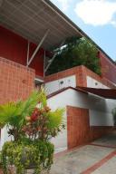 Casa En Venta En Caracas, Colinas Del Tamanaco, Venezuela, VE RAH: 05-5304