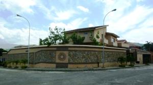 Casa En Venta En Valencia, Altos De Guataparo, Venezuela, VE RAH: 11-5303
