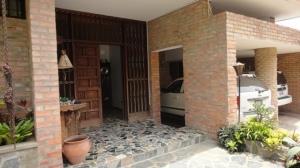 Casa En Venta En Caracas, Colinas De Los Ruices, Venezuela, VE RAH: 11-7802