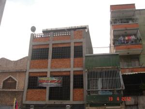 Local Comercial En Venta En Caracas, Catia, Venezuela, VE RAH: 12-3390