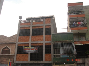 Local Comercial En Ventaen Caracas, Catia, Venezuela, VE RAH: 12-3390