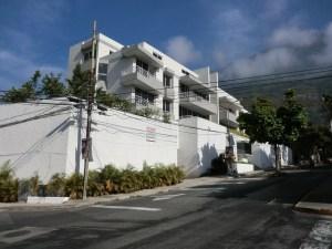 Apartamento En Venta En Caracas, Los Palos Grandes, Venezuela, VE RAH: 12-3188