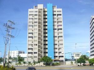 Apartamento En Venta En Margarita, Costa Azul, Venezuela, VE RAH: 12-3818