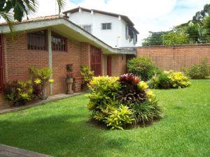 Casa En Venta En Caracas, La Lagunita Country Club, Venezuela, VE RAH: 12-5278