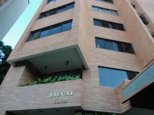 Apartamento En Venta En Maracaibo, Calle 72, Venezuela, VE RAH: 12-7067