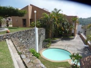 Casa En Venta En San Antonio De Los Altos, Club De Campo, Venezuela, VE RAH: 12-7529