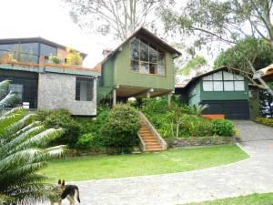 Casa En Venta En Los Teques, Municipio Guaicaipuro, Venezuela, VE RAH: 12-7710
