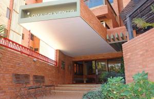 Apartamento En Venta En Maracaibo, El Milagro, Venezuela, VE RAH: 13-758