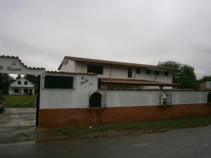 Casa En Venta En Municipio San Diego, Las Morochas I, Venezuela, VE RAH: 13-957