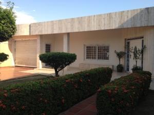 Casa En Venta En Ciudad Ojeda, Avenida Vargas, Venezuela, VE RAH: 13-1109