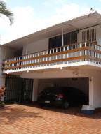 Casa En Ventaen Caracas, Colinas De Bello Monte, Venezuela, VE RAH: 13-1657