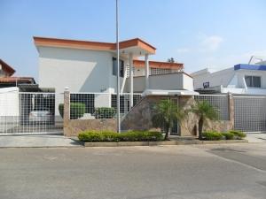 Casa En Venta En Valencia, Altos De Guataparo, Venezuela, VE RAH: 13-2017