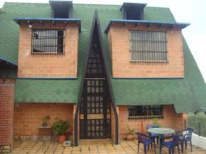 Casa En Venta En San Diego De Los Altos, Parcelamiento El Prado, Venezuela, VE RAH: 13-2575
