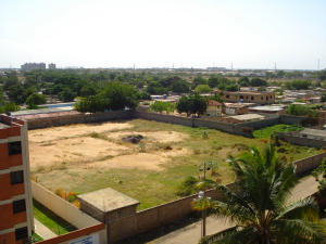 Terreno En Venta En Maracaibo, Avenida Milagro Norte, Venezuela, VE RAH: 13-2848