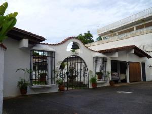 Casa En Ventaen Caracas, La Lagunita Country Club, Venezuela, VE RAH: 10-8503