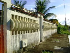 Terreno En Venta En Higuerote, Club Campestre El Paraiso, Venezuela, VE RAH: 13-2903