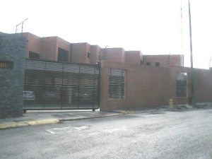 Townhouse En Venta En Caracas, La Trinidad, Venezuela, VE RAH: 13-2968