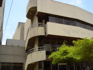 Local Comercial En Alquiler En Maracaibo, 5 De Julio, Venezuela, VE RAH: 13-3222
